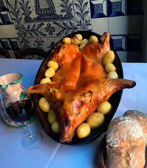 Cochinillo asado en el restaurante Botín